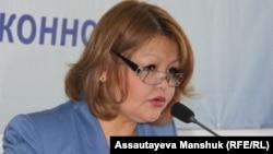 Айман Омарова, адвокат оппозиционного политика Владимира Козлова. Алматы, 4 ноября 2015 года.
