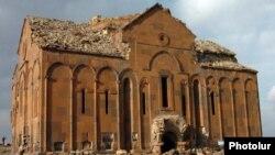 Անիի մայր տաճարը, արխիվ