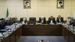 حسن روحانی، رئیسجمهوری ایران در جلسه روز ۲۷ بهمن مجمع تشخیص مصلحت نظام شرکت نکرد. رئیسجمهوری ایران در چند جلسه اخیر این مجمع غایب بوده است.