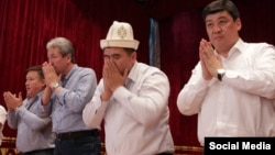 """Представители альянса в Баткене. 12 августа 2017 года. Фото взято с официальной странички Бакыта Торобаева в """"Фейсбуке""""."""