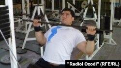 Парвиз Одинаев, варзишгари маълул, Тоҷикистонро дар бозиҳои паралимпии Лондон намояндагӣ мекунад.