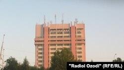 """Маҷмааи """"Шарқи озод"""", қароргоҳи аксари нашриятҳои чопи Душанбе аст."""