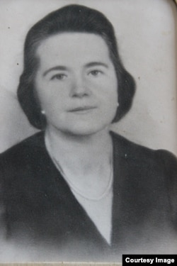 Мама Наталя Попович