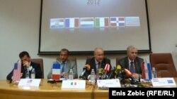 Konferencë për gazetarë e policisë në lidhje me rastin e kontrabandimit të kokainës, Zagreb, 9 maj, 2012