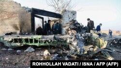 یکی از تصاویر منتشرشده توسط خبرگزاری ایسنا و خبرگزاری فرانسه از محل سقوط هواپیما