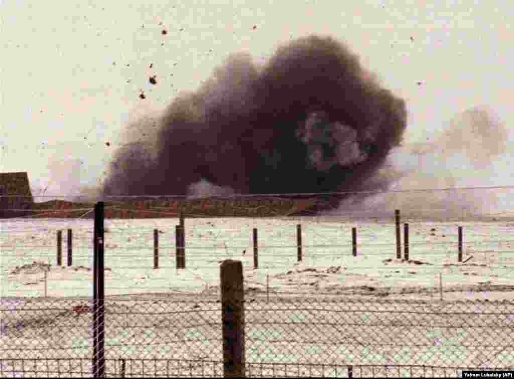 Smoke billows from an explosion that destroyed a missile silo at a military base near Pervomaysk, Ukraine on January 5, 1996.
