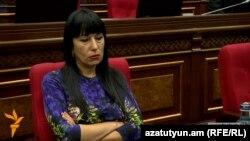 «Բարգավաճ Հայաստան» կուսակցության ղեկավար Նաիրա Զոհրաբյանը: