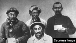 Связные отряда Амангельды Иманова в период восстания 1916 года.