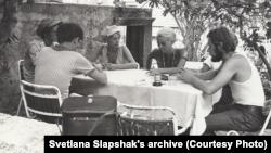 Философский семинар на Корчуле, 1970, Светлана крайняя слева
