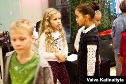 Достық пен бейбітшілік фестиваліндегі балалар. Анталия, 6 желтоқсан 2015 жыл.