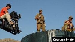 Узбекский режиссер Бахадыр Юлдашев, в процессе съемок фильма в Голливуде.