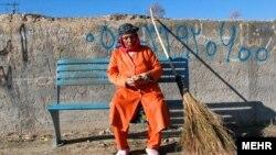 صغری خانی شهرآبادی،«نخستین» زن رفتگر ایرانی