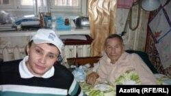 Мөнир Шакиров мәрхүм халык шагыйре Фәнис Яруллин белән