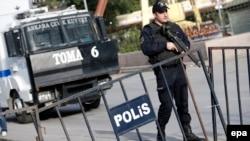 Сотрудник турцецкой полиции. Архивное фото.