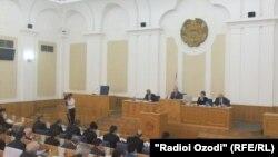 Тәжікстан парламентінің отырысы. Душанбе, 25 сәуір 2012 жыл.