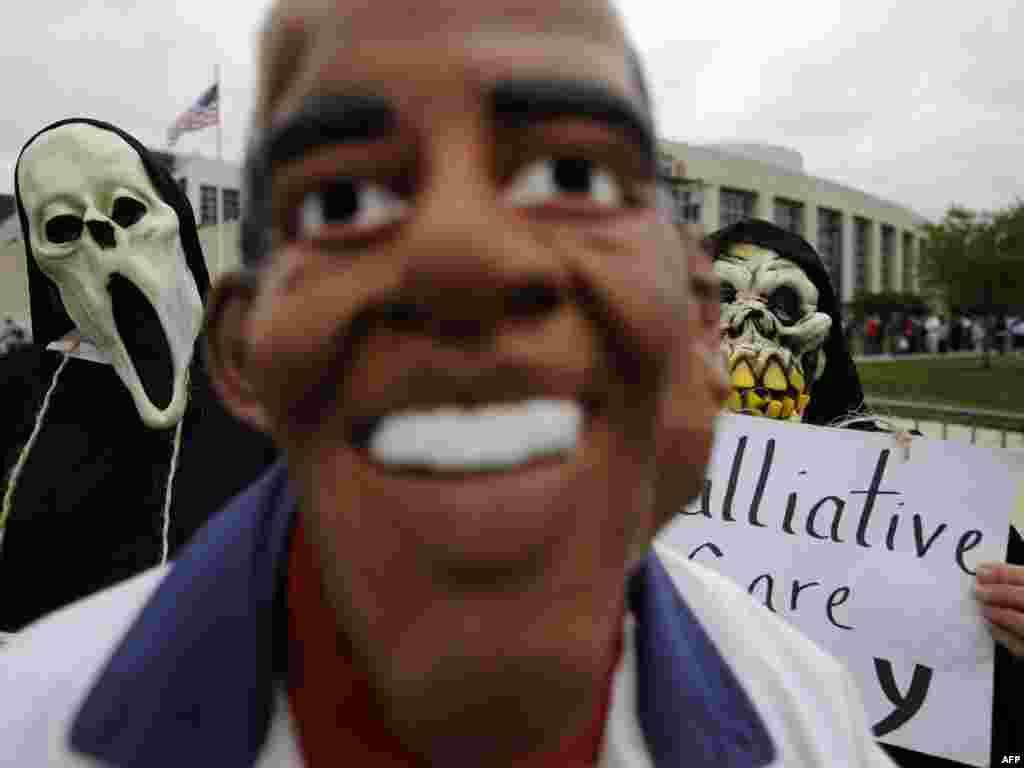SAD - Protesti protiv Obame - Reforma zdravstva je za sada najveći izazov predsjednika Obame, a ni protesti nisu više tako rijetki.