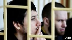 Двоє з підсудних: Володимир Ілютіков (л) і Олександр Ковтун