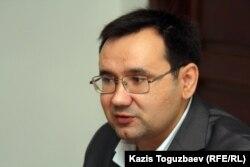 Оппозиция белсендісі Айнұр Құрманов. Алматы, 19 мамыр 2011 жыл.