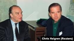 Байден с президентом Боснии в Сараево в 1993 году