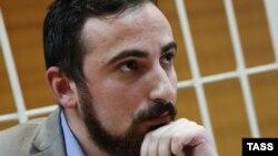 В абхазском обществе обратили внимание на то, что на подмогу лоббистам законодательного полного запрета абортов в Абхазию поспешили ораторы из Москвы, но только теперь прояснилось, что за этими «бурей и натиском» стоял сам Энтео