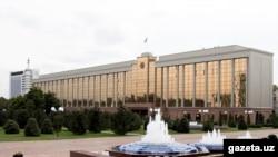 Өзбекстандын өкмөтүнүн имараты.