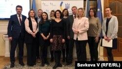 Учасники третього конкурсу перекладачів під час вручення нагород у Празі, Чехія, 6 грудня