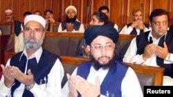 د ۲۰۰۲م مېلادي کال په انتخاباتو کې متحده مجلس عمل په خېبر پښتونخوا و بلوچستان کې حکومتونه جوړ کړل.