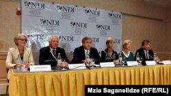 ეროვნულ-დემოკრატიული ინსტიტუტის საერთაშორისო დელეგაცია