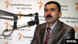Oqtay Gülalıyev (Arxiv foto)