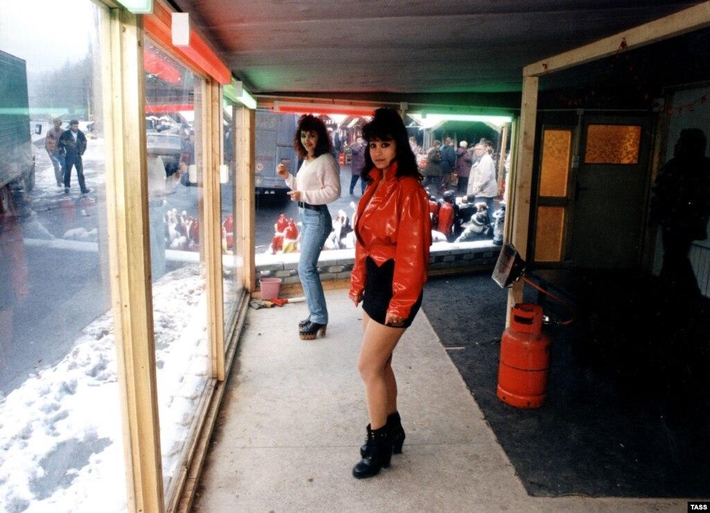 Снять проститутку в макеевке 19 фотография