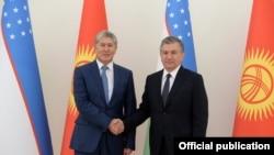 Алмазбек Атамбаев жана Шавкат Мирзиёев. Ташкент, 5-октябрь, 2017-жыл