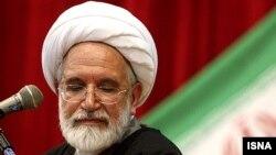 مهدی کروبی از بهمن ۸۹ بدون برگزاری دادگاه در زندان خانگی به سر میبرد.