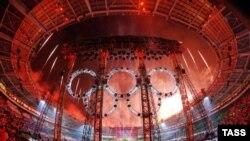 Фрагмент церемонии закрытия Олимпийских игр в Турине. Увидим ли мы что-нибудь подобное в Сочи?