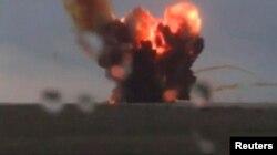 """Взрыв при старте ракеты-носителя """"Протон-М"""" на космодроме Байконур. 2 июля 2013 года."""