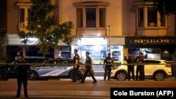 Поліція біля місця, де сталася стрілянина, Торонто, Канада, 23 липня 2018 року