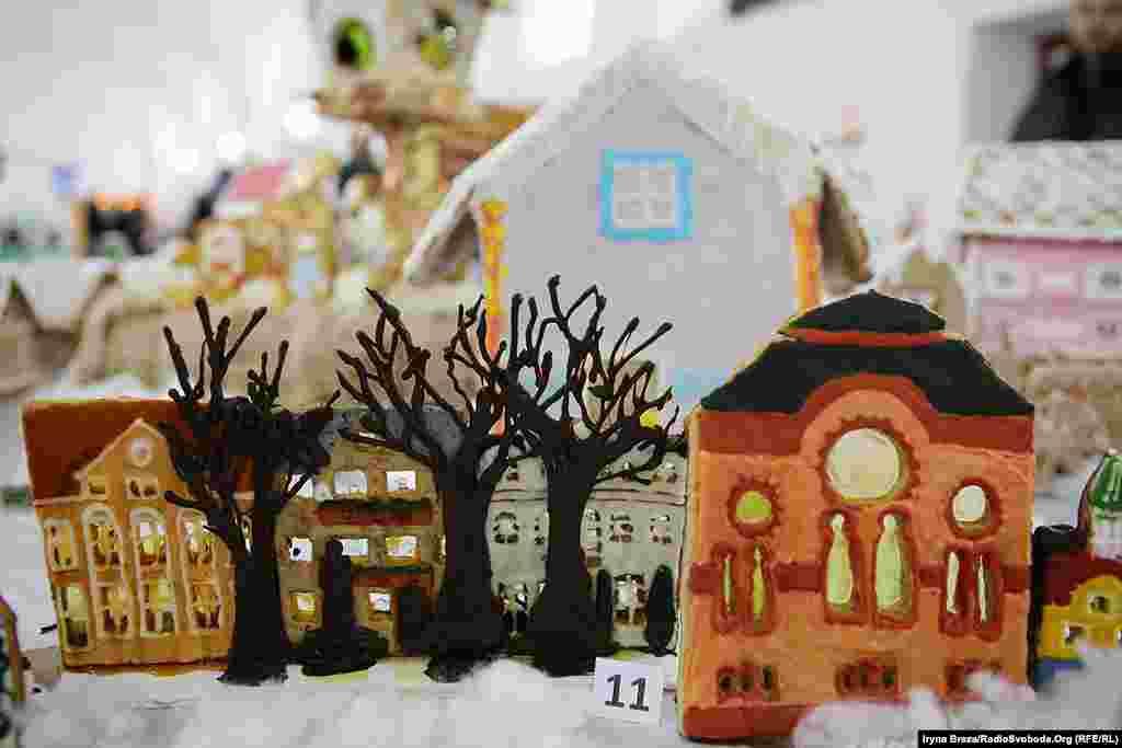 Умова участі у святі – виготовити пряниковий будиночок