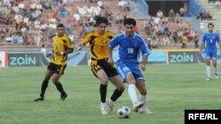 مبارة بكرة القدم في ملعب الشعب الدولي ببغداد