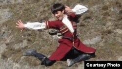 Ансамбль народного танца «Маленький джигит» был создан в далеком 1939 году. В коллектив отбирали самых талантливых и одаренных детей Северной Осетии