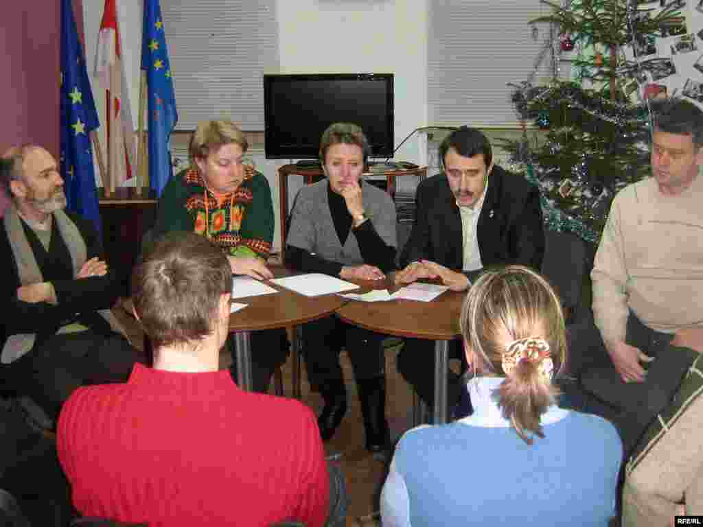 Паседжаньне камітэту ў падтрымку Сяргея Каваленкі ў Віцебску