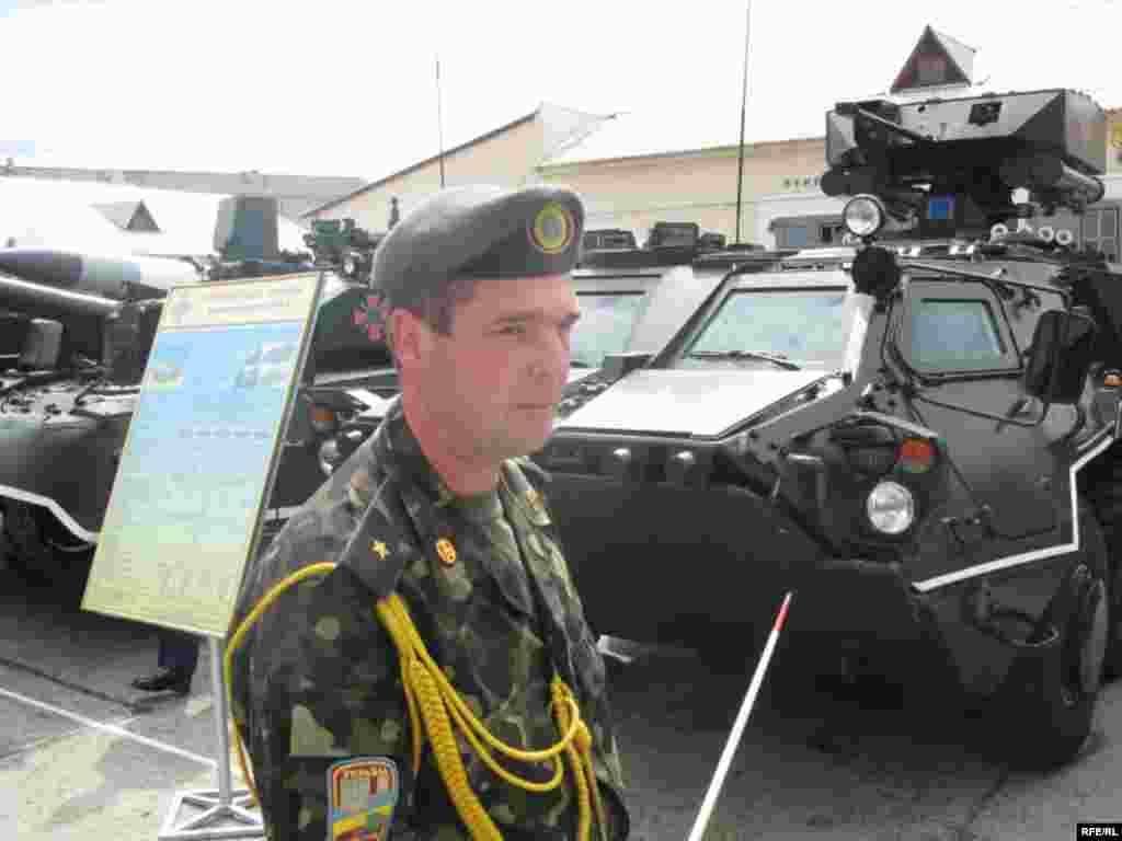 Військова техніка, що виставлятиметься для показу під час святкування Дня Незалежності України - БТР-4 – новітня розробка українських зброярів