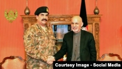 Afghan President Ashraf Ghani with Pakistani Chief of Army Staff General Raheel Sharif (file photo).