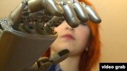 Ас үйде дайындалған бионикалық протез