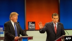 Дональд Трамп и Тед Круз во время президентских дебатов