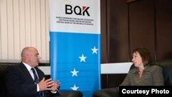 Ambasadorja amerikane në Kosovë, Tracey Jacobson, gjatë vizitës së sotme në Bankën Qendrore të Kosovës