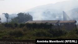 """U požaru izgorio veći dio Tvornice kuća """"Krivaja"""" Zavidovići"""