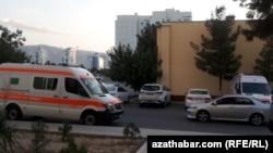 Aşqabatda təcili yardım maşını, iyun 2020