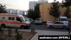 Машина скорой помощи, Ашхабад, июнь, 2020