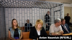 На судебном процессе по делу Николая Карпюка и Станислава Клыха в Грозном. 17 мая 2016 года