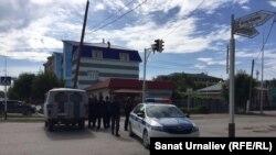 В районе спецоперации в Актобе. 10 июня 2016 года.