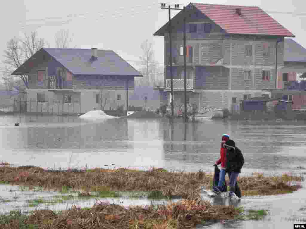 Bosnia-Herzegovina, Floods, 7Jan2010, Photo: Midhat Poturović